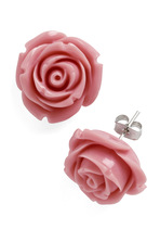 Vintage Rose Bud Earrings from Modcloth